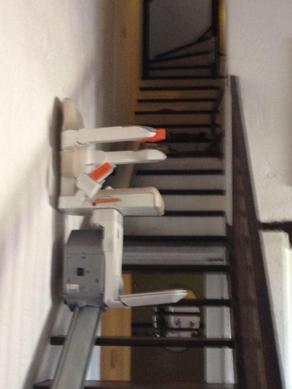 fauteuil monte escalier xclusive a s a. Black Bedroom Furniture Sets. Home Design Ideas